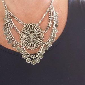 Jewelry - Silver boho necklace